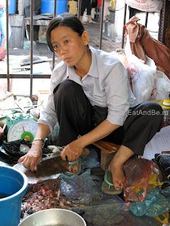 Phsar Thmei - центральный рынок в Пномпене, Камбоджа Есть и быть www.EatAndBe.ru