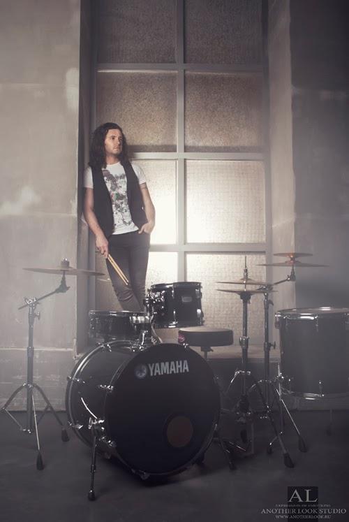креативная фотосессия барабанщик