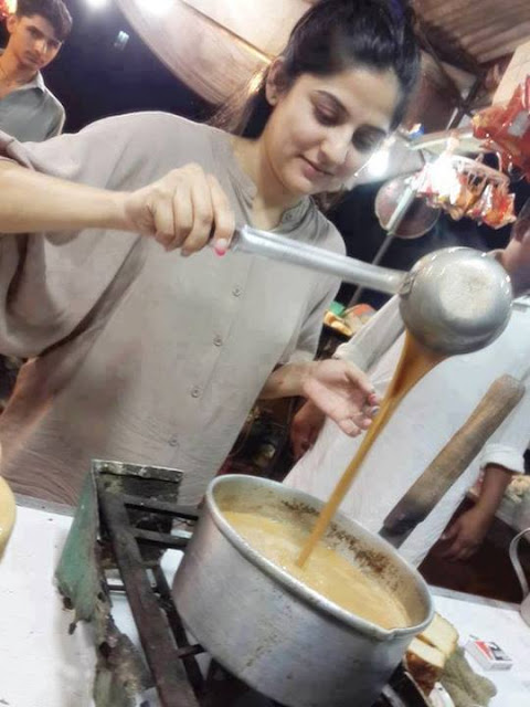 Pakistani Cute Sanam Baloch is Making Tea On Tea Shop
