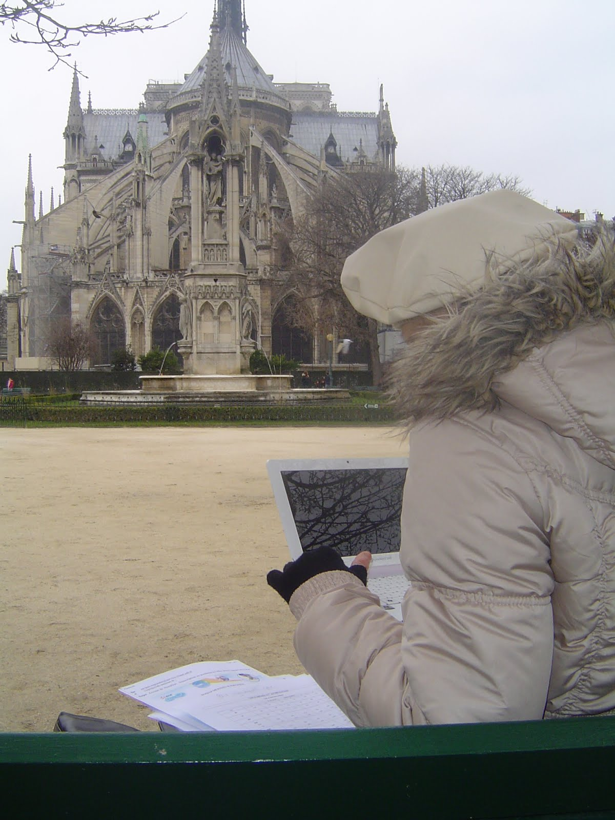 Freeloading is a full-time job in Paris