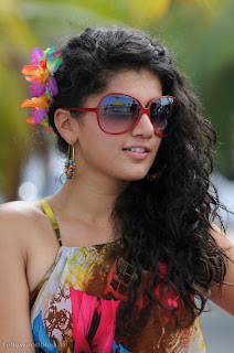 taapsee ponnu latest beautiful Pictures 012