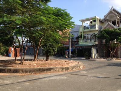 Bán nhà giá rẻ  2 mặt tiền đường gần chợ dĩ an Bình Dương