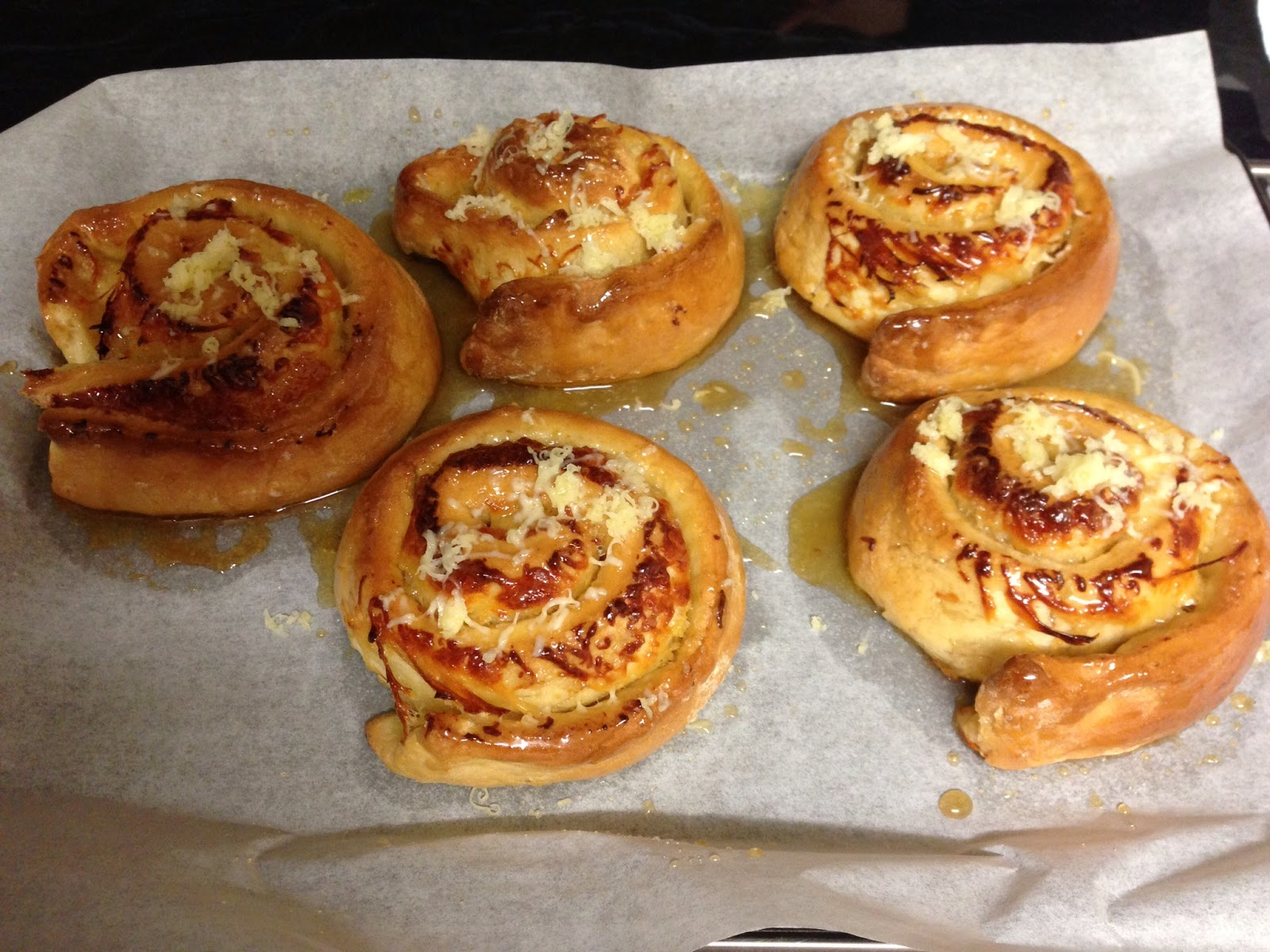 Luisana's kitchen: Venezuelan sticky buns (Golfeados)