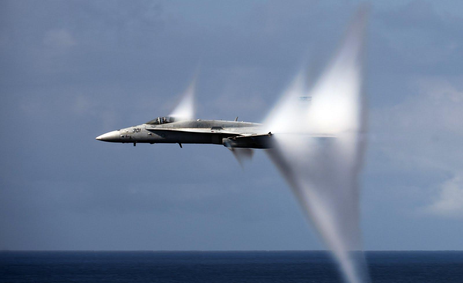 paul davis on crime cool photo a u s navy aircraft breaks the