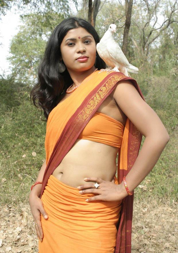 Indian Glamour World: Raashi Khanna- Latest Spicy Navel