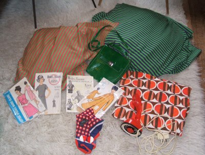 vintage 60s 70s  fabrics , 60s green bag , patterns  1960 1970 geometric