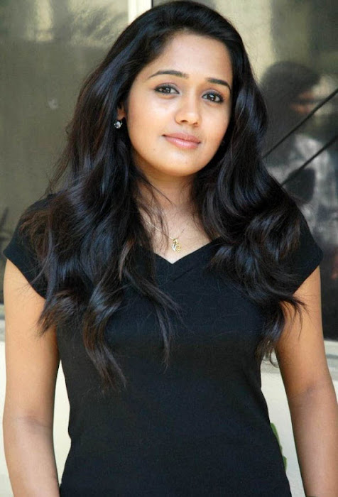 ananya in jeans actress pics
