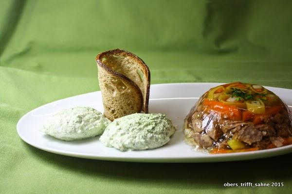 Grüne  Soße Mousse mit Rindfleisch Sülze