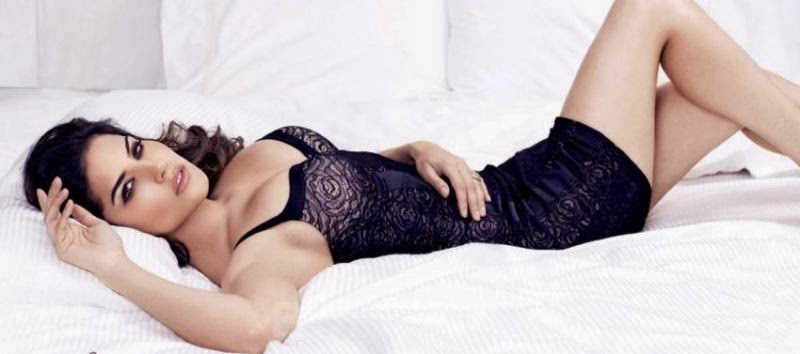 Sunny Leone on bed