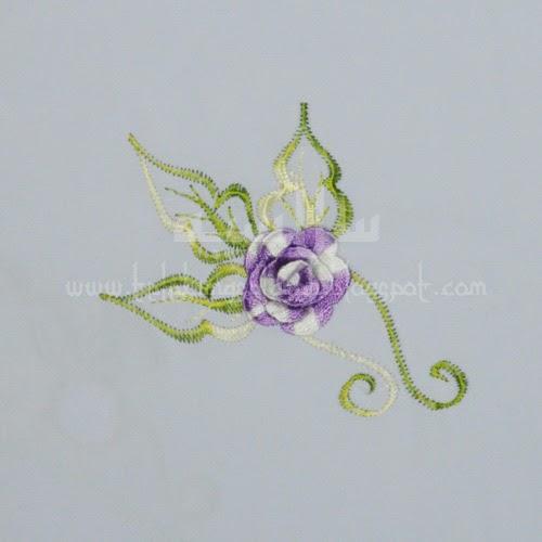 Telekung Vietnam bunga ungu pastel / daun hijau-kuning sulam bunga timbul