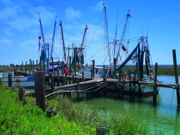 Shrimp boats at St Helena Island in South Carolina with photo by DearMissMermai.com