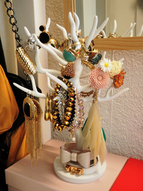 GlamorousGia jewelry tree holder.