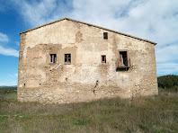 La façana de migdia del Vilar