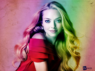 Amanda Seyfried Cute Smile HD Wallpaper