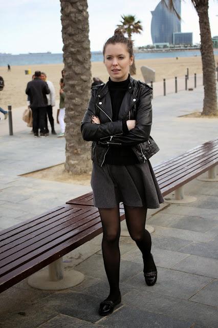 http://wswoimstylu.blogspot.com/2014/12/rozkloszowana-spodnica-w-rockowym.html