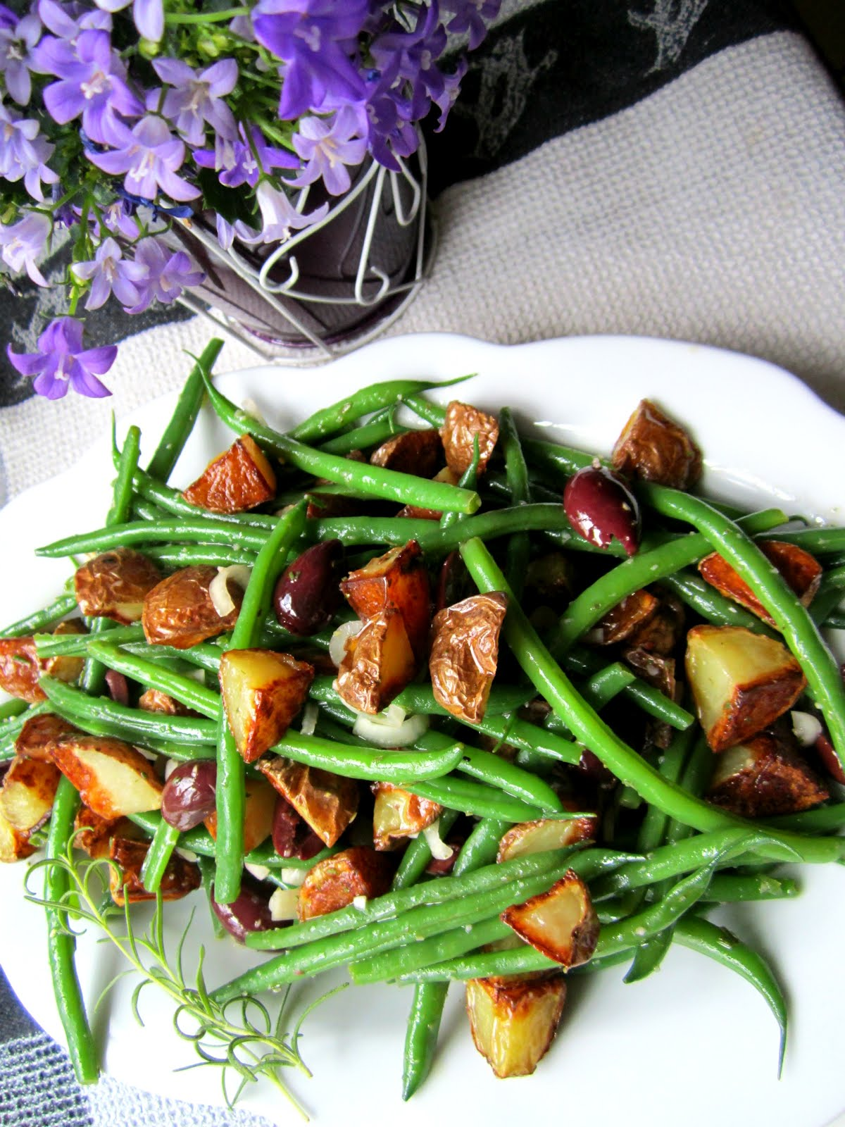 ... Delicious: Roasted Potato & Green Bean Salad w/ Rosemary Vinaigrette