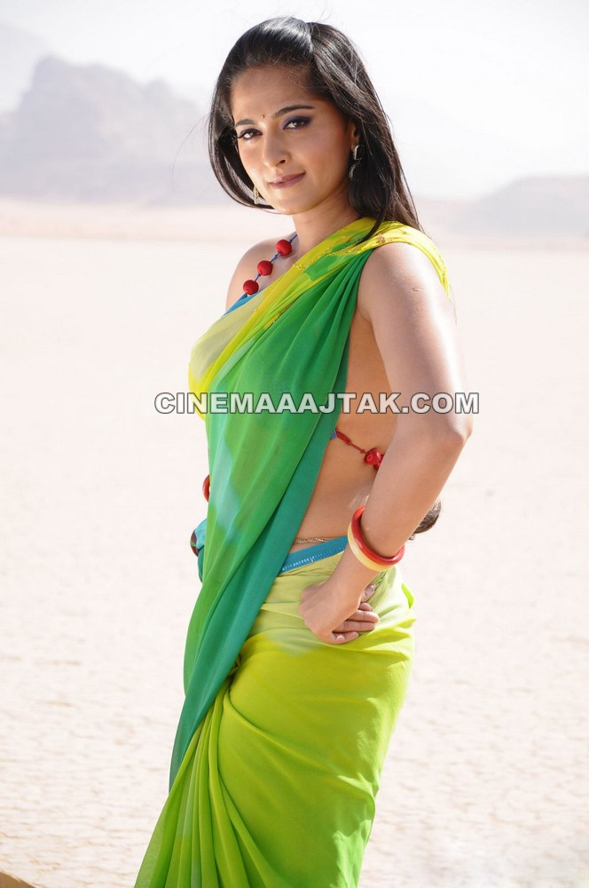 Anushka shetty1 - Anushka shetty Pics in Green Saree