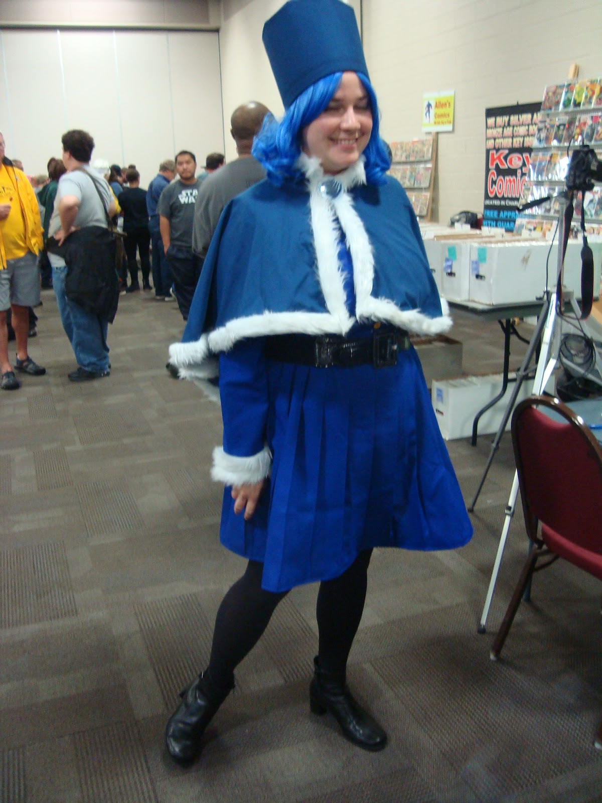 The Lady In Blue Juvia From Anime Fairy Tail Was Using Her Talent Of Photography To Take Green Screen Photos Con Goers