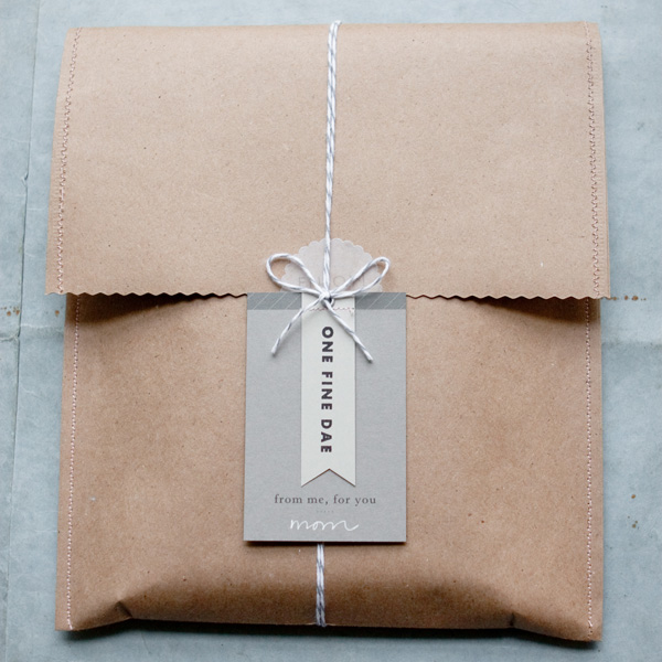 Brown paper gift wrapping bookmaarks