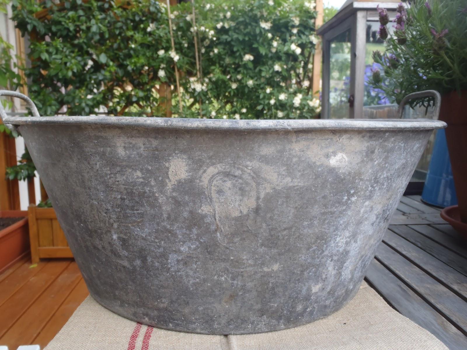 Il giardino del brocante mercatino del brocante provenzale for Tinozze da giardino