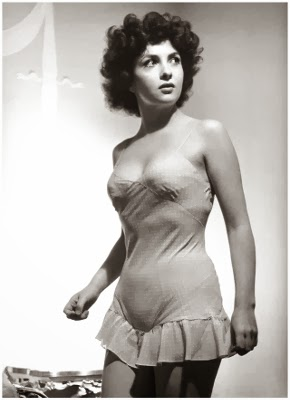 http://semioticapocalypse.tumblr.com/post/76394346705/philippe-halsman-gina-lollobrigida-1951