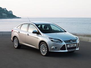2012-Ford-Focus-02