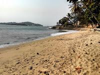 Pantai Merak, tempat bersantai ketika libur