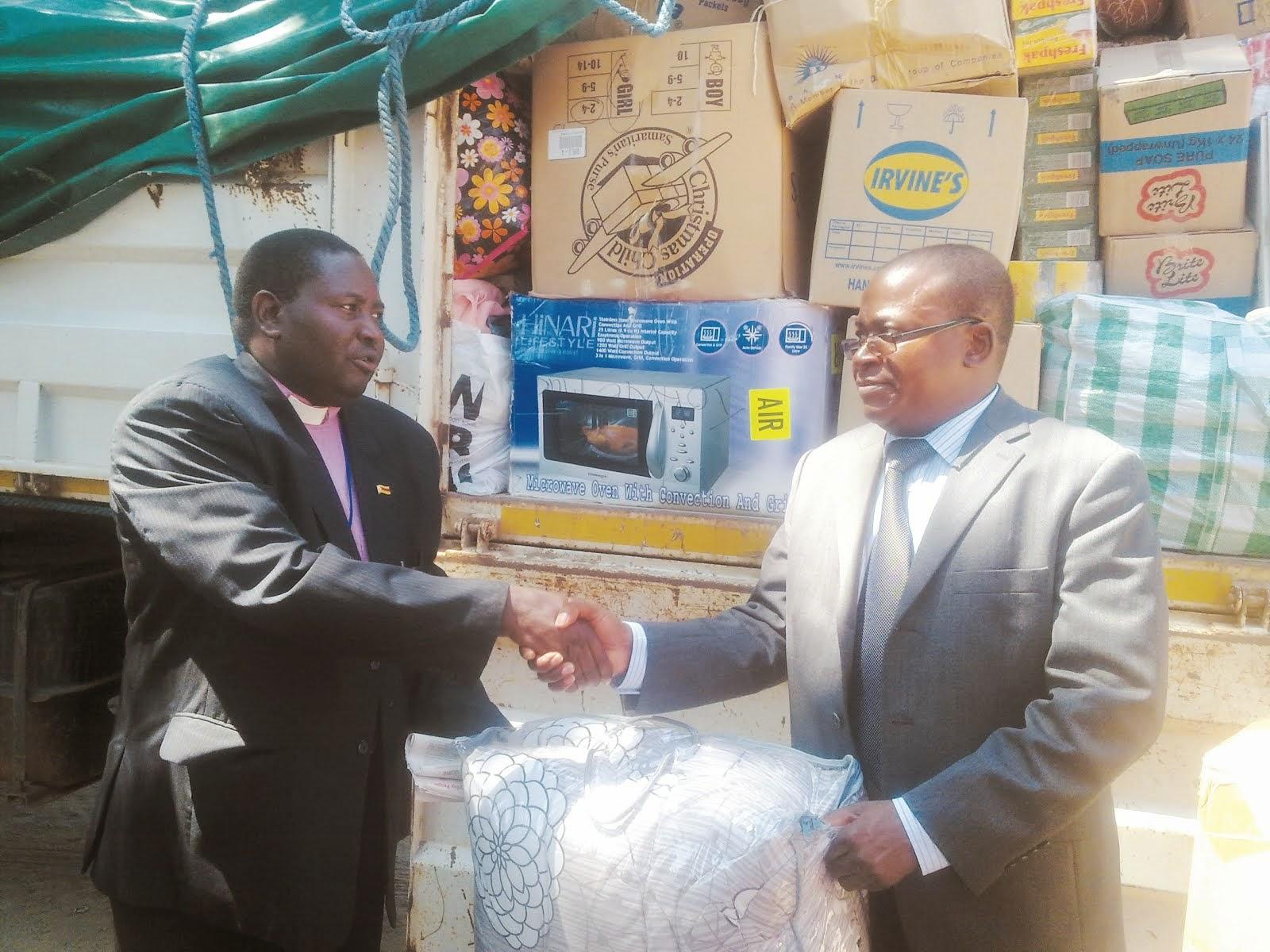 Methodist church donates to tokwe mukosi the mirror for Mirror zimbabwe