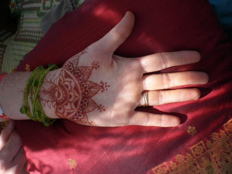Mehndi Designs For Hands Red : Henna designs red photos