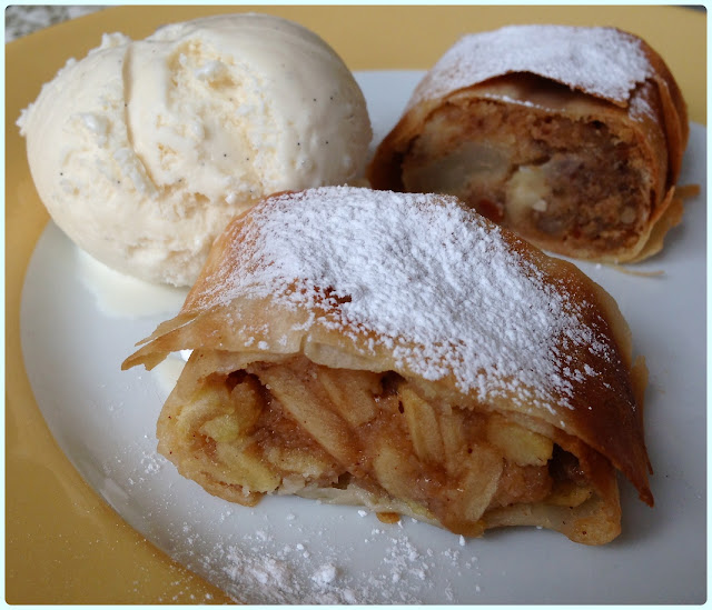 The Parlour at Fortnum and Mason, London - Strudel