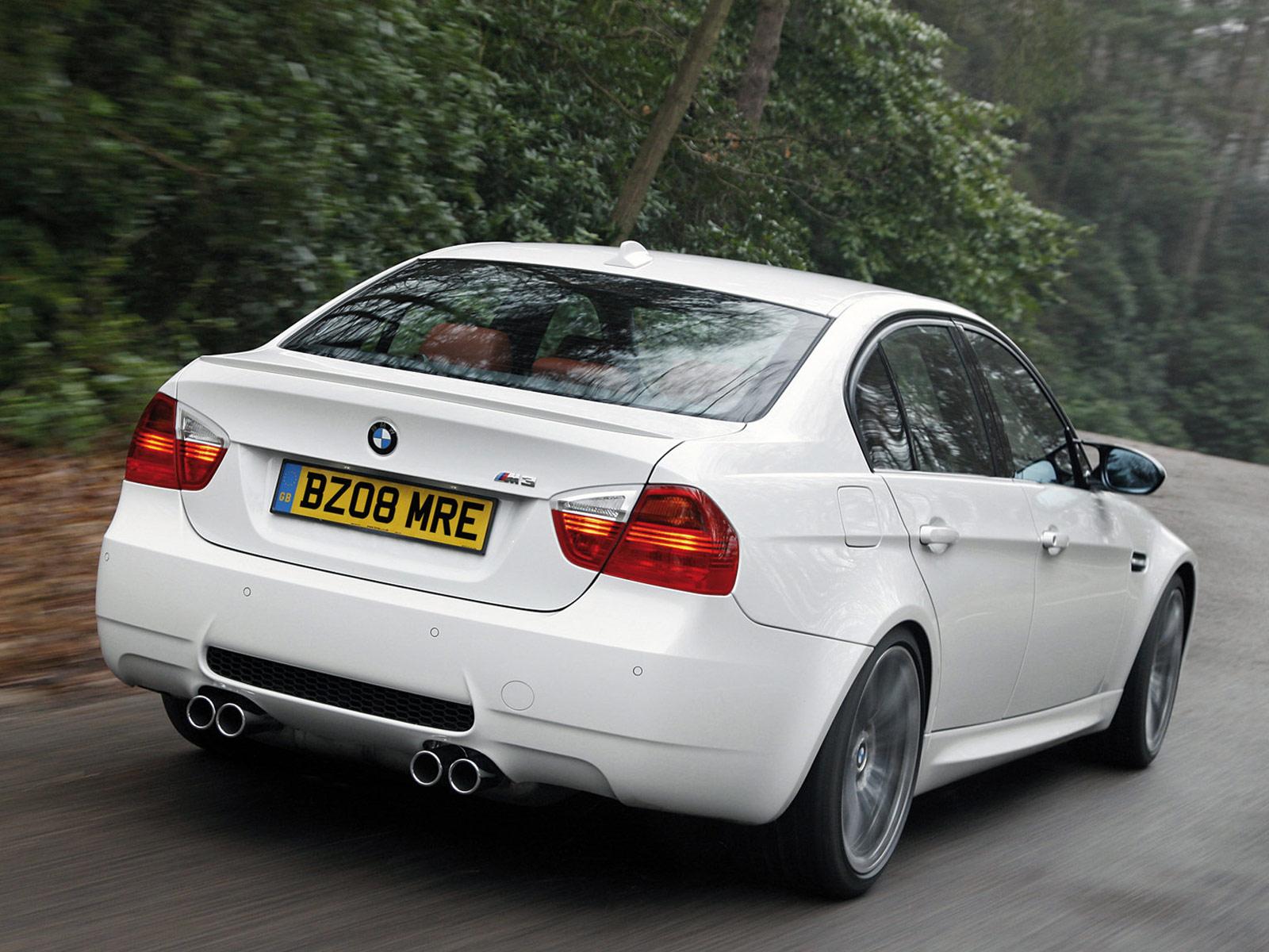 2009 BMW M3 Saloon UK Version car wallpapers