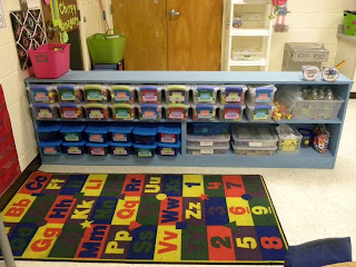 It's time for another new school year, so I'm doing my classroom reveal in this blog post! Check it out to see how I set up and decorated my kindergarten classroom. I've included tons of pictures for your inspiration! Click through to get ideas for decorating a primary grades classroom.