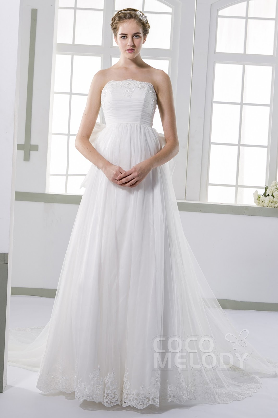 2013 the most beautiful wedding dress: Engagement Gowns Ideal for ...
