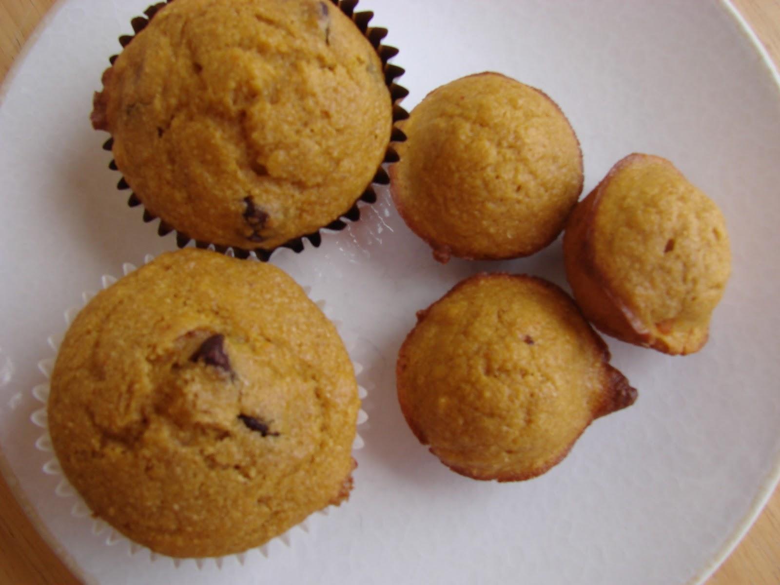 kadydid designs: Whole Wheat Pumpkin Applesauce Muffins