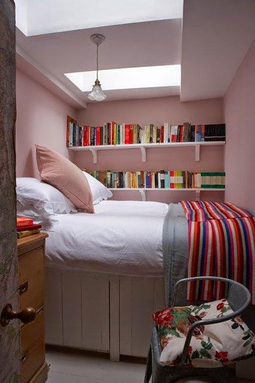 Ideas para espacios pequeños. Dormitorio con armario bajo la cama