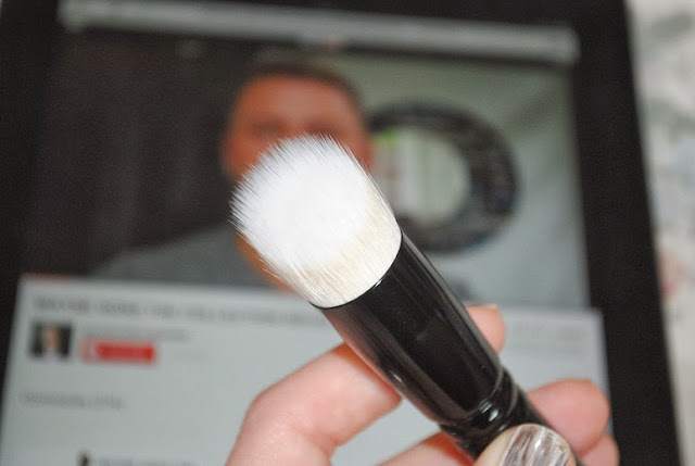 wayne-goss-makeup-brush-1-review