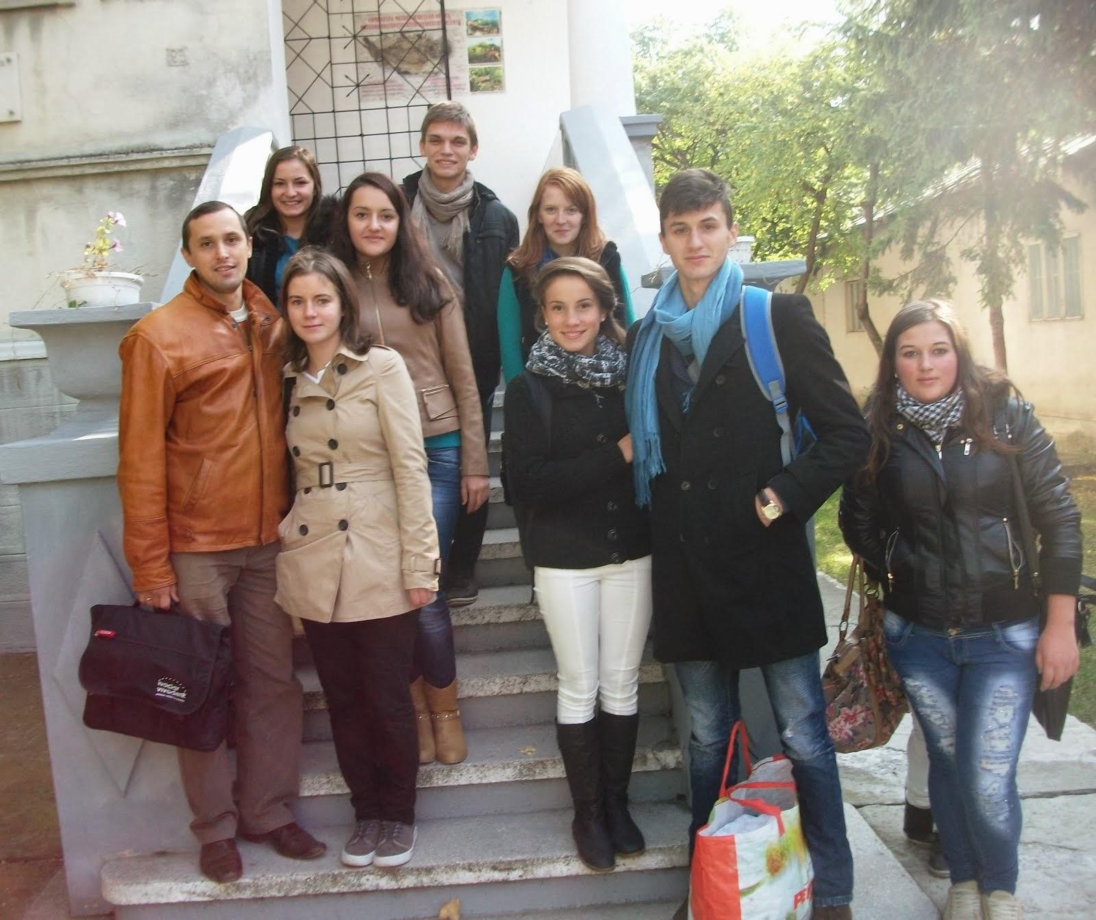 Cu elevi ai clasei a XI-a C la Muzeul de Ştiinţe Naturale, 8.10.2013..
