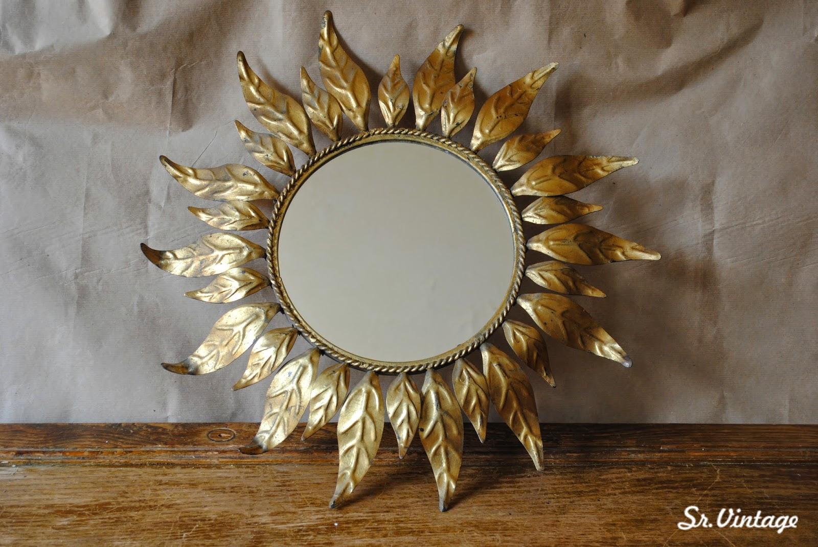 descripcin pequeo espejo sol vintage de forma clsica con un dorado muy bien conservado