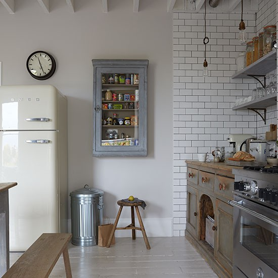 Decordemon industrial style flat in a victorian terrace for London kitchen decor
