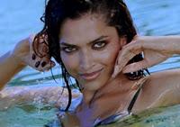 Deepika Padukone Hot Stills from Oh Girl you Mine song