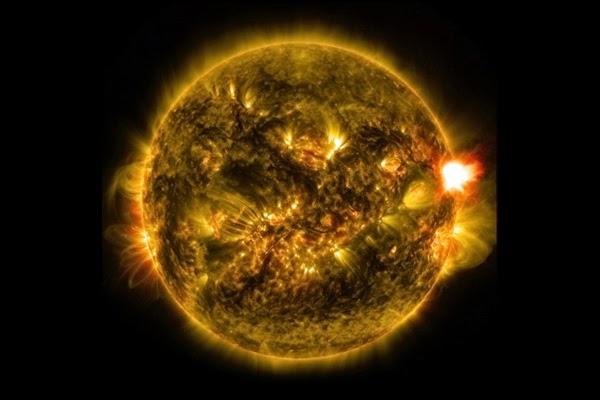 Badai Matahari Pertama tahun 2015 Meletup pada Selasa, 13 Januari