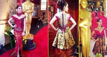 Foto Baju Batik Artis Wanita