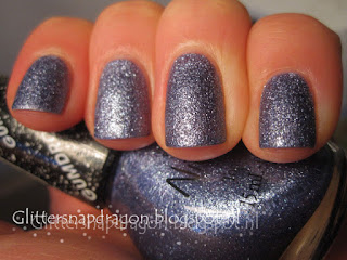 Nicole bij OPI Blue-Berry Sweet on You