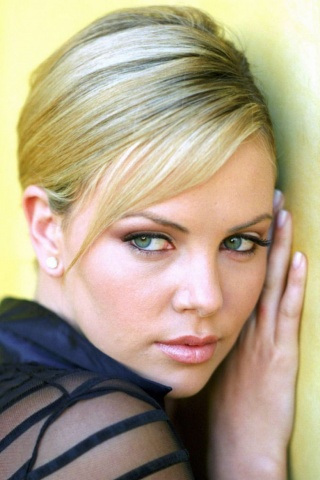 Charlize Theron Iphone Wallpapers