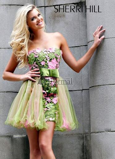 дантелена рокля за бал с прозрачна поличка