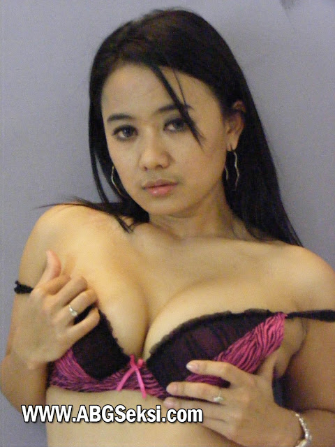 foto model indonesia telanjang hot