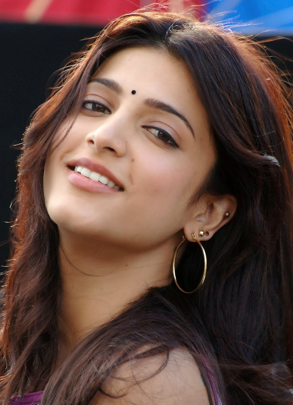 shruti hassan hot smiley pictures