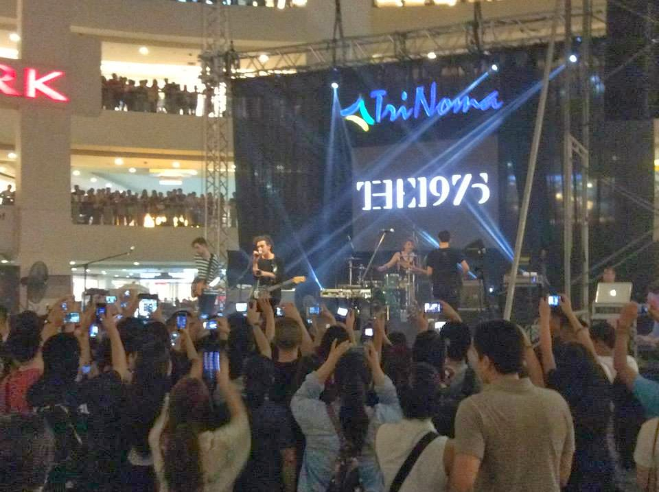 the 1975 matthew healy live in trinoma manila