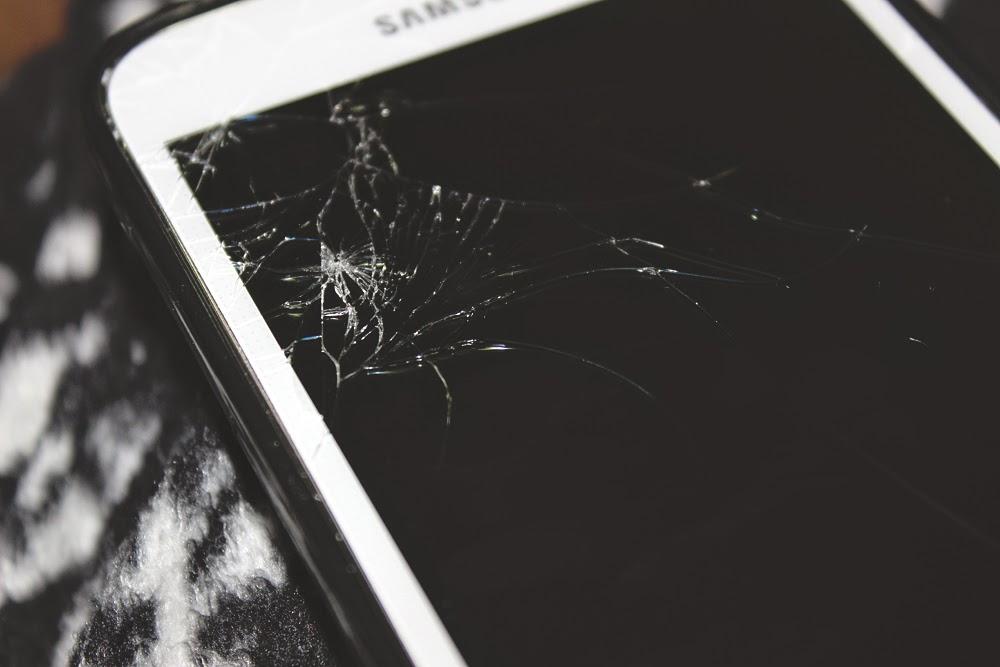 samsung galaxy s5, cracked screen, life blog