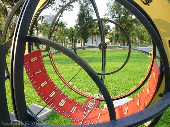 Lumphini Park sundial